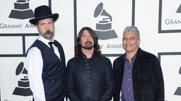 Trending - Is Nirvana Officially Back Together?