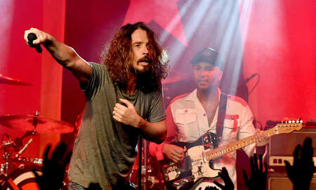 Rock News - Tom Morello Discusses 'Cryptic' Texts Chris Cornell Sent Him Years Ago