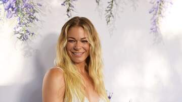 On With Mario - LISTEN: LeAnn Rimes Stops By To Talk New Christmas Movie & Tour!