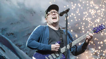 Concert Photos - Fall Out Boy with Machine Gun Kelly at Bankers Life Fieldhouse