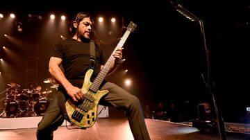 Ken Dashow - Watch Robert Trujillo Flawlessly Play Cliff Burton's Anesthesia Bass Solo