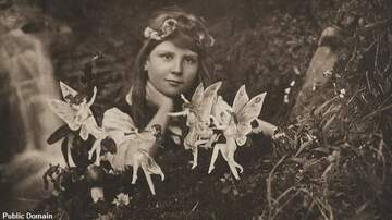 Coast to Coast AM with George Noory - Infamous 'Fairy' Photos Sell for Stunning Price