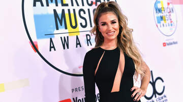 Music News - Jessie James Decker Details 'Traumatic' Labor and Delivery
