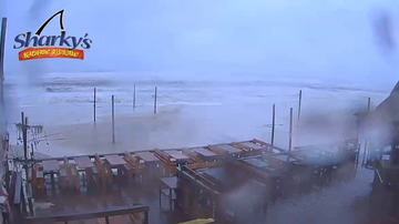 Brittany Blog (58600) - WATCH: Beach cam shows Michael coming ashore