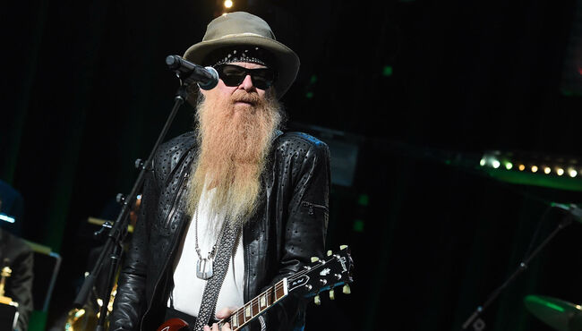 """Billy Gibbons Doesn't Know What's """"Lurking"""" in His Beard"""