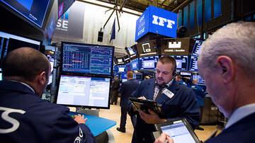 Politics - Tech Companies Drag Stock Market Down As Dow Jones Loses Over 800 Points
