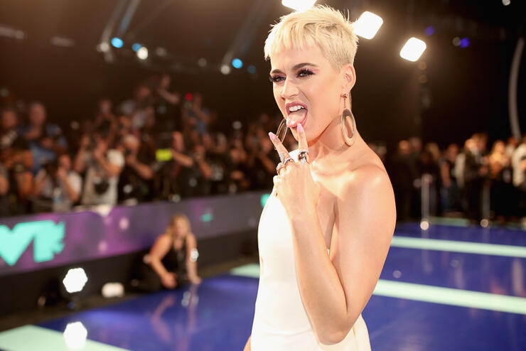 18 Female Celebs Who Shaved Their Heads | iHeartRadio