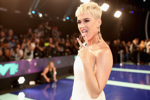 18 Female Celebs Who Shaved Their Heads