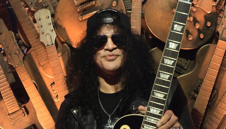 Slash Admits He Loves Fender Guitars Too