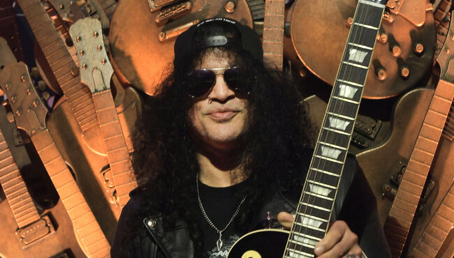 Slash Admits He Loves Fender Guitars Too