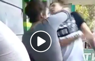 Buzzing - VIDEO: Girl Knocks Out Guy For 'Flossing' Behind Her