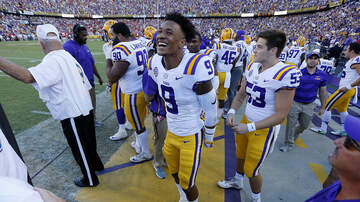 Louisiana Sports - LSU Leaps To #5 In AP, Coaches Polls