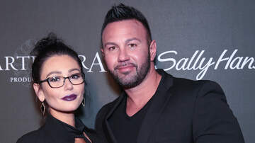 Entertainment News - JWoww & Husband Roger Mathews Celebrate Anniversary Amid Divorce