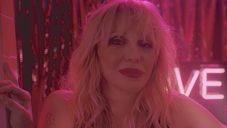 Courtney Love Sings 'Celebrity Skin' With 1500 Piece Band: Watch