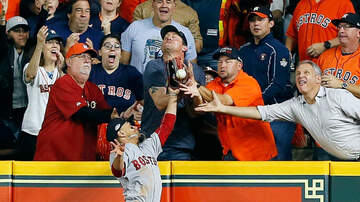 The KFAN Bits Page - Playoff baseball CONTROVERSY!!! Is it interference or not? [VIDEO]