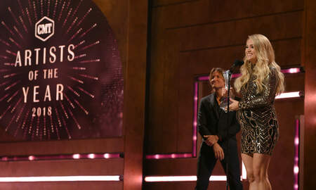 Music News - Carrie Underwood Sends Powerful Message To Females In Music