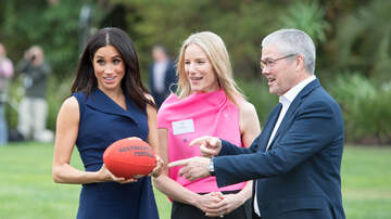 Entertainment News - Meghan Markle Played Australian Football In Stilettos Like A Champ