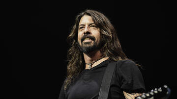 Ian - Foo Fighters surprise at a Metallica show