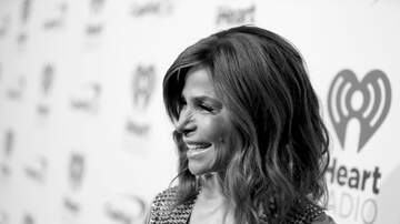 Shannon's Dirty on the :30 - WATCH: Paula Abdul Falls Off the Stage!!!