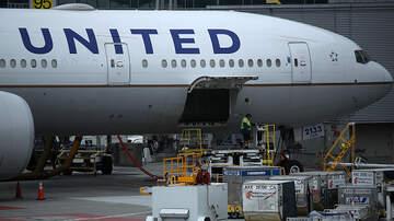 - United pilot to passengers: We're turning around because plane's too big