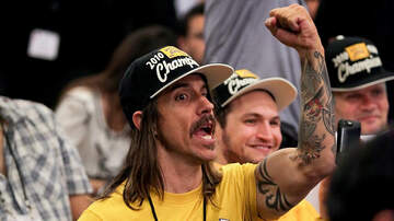 Trending - Red Hot Chili Peppers' Anthony Kiedis Ejected From Lakers Game