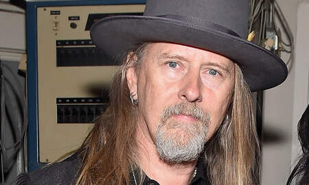 Rock News - Watch Alice in Chains' Jerry Cantrell Go Shopping for Vinyl