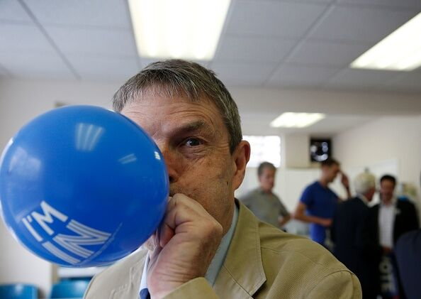 Most people can't blow up a balloon