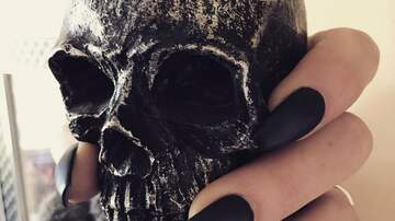 Katie Price - Halloween Nails To Give You Some Inspiration