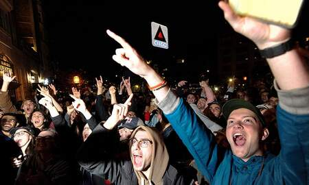 Sports Top Stories - Red Sox Strip Down For Wild Victory Party As Fans Take To Boston's Streets