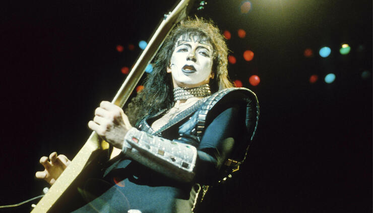 Vinnie Vincent Appears in KISS Makeup at Fan Expo
