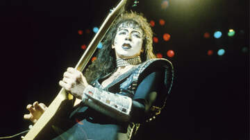 Ken Dashow - Vinnie Vincent Appears in KISS Makeup at Fan Expo