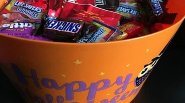Mac And Shmitty - Happy Halloween! Trick-Or-Treat Times & Events