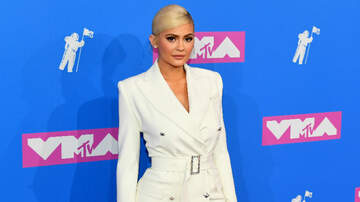iHeartRadio Music News - How Kylie Jenner Is Managing Relations With Jordyn Woods, Khloe Kardashian