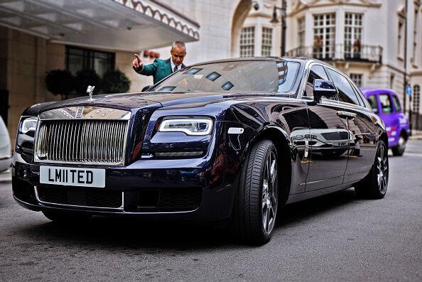 Cars lotto winners drive VS. actual billionares