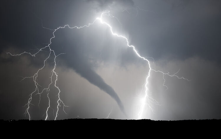 Tornado Getty RF