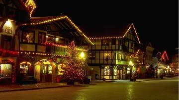 Holidays - Ten Most Festive Christmas Towns In America