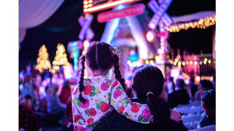 12 incredible christmas light shows for a lit holiday iheartradio - Classic Christmas Shows