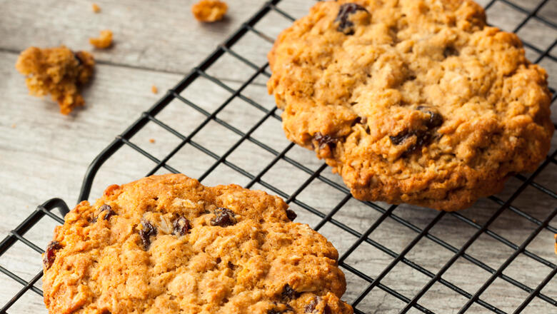 30 Days 30 Dishes: Brunch-able Cinnamon Raisin Cookies