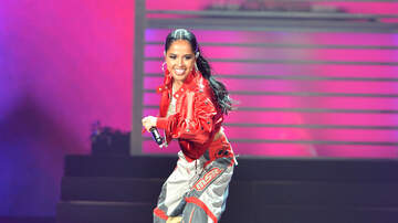 iHeartRadio Fiesta Latina - 3 Movimientos de Baile de Becky G que Necesitas Aprender Inmediatamente