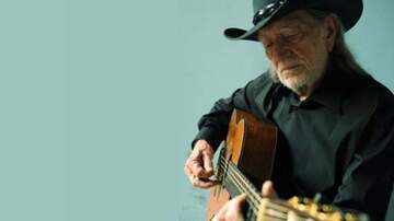 None - Willie Nelson at Mobile Saenger