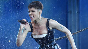 Molly - Halsey Performs at the Latin Grammy Awards! WATCH!