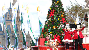 Beth & Friends - When Is Disneyland Changing The Park To Holiday Magic?