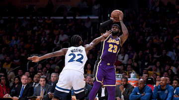 Wolves - Lakers Top T'wolves in L.A.