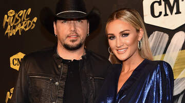 iHeartCountry - Why Jason Aldean & His Wife Decided To Name Their Daughter Navy Rome