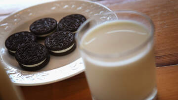 Nina Chantele - An Oreo Dunking Kit Is Now Available