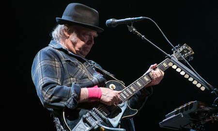 Rock News - Neil Young Says He Lost His Home in California Wildfires