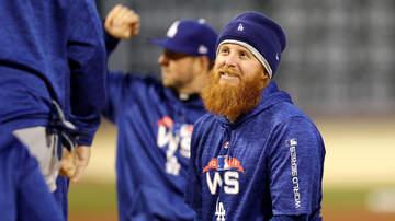 Sports News - Justin Turner, Dodgers Host Veterans/Service Members For Batting Practice