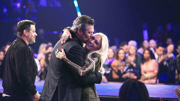 EJ - Blake Shelton Gushes Over Gwen Stefani at the People's Choice Awards