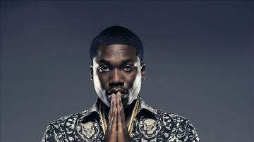 Promise - The Bizness Hourz - Meek Mill tries out boxing with one of his homies and he needs some milk!