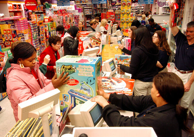 Start of Christmas Shopping (Getty Images)